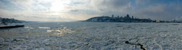 Quebec City - ice!